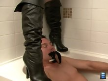 Very wet and messy Toilet Video! Mistress Jasmine and Mistress Veronica were attending a party and they needed a toilet.